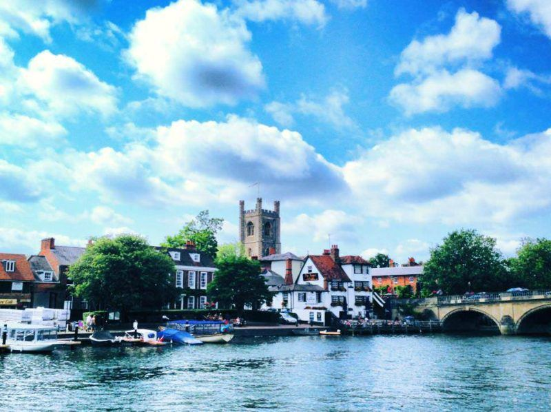 I think Henley-on-Thames is so so so pretty