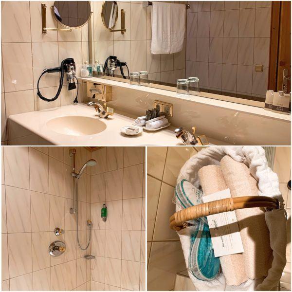 Jagdhof Luxury Ski Hotel Relais Chateau Neustift im Stubaital 30 minutes Stubaier Gletscher ski area innsbruck bathroom 1