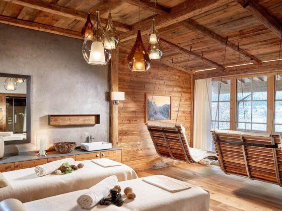 Jagdhof Luxury Ski Hotel Relais Chateau Neustift im Stubaital 30 minutes Stubaier Gletscher ski area mountain cover