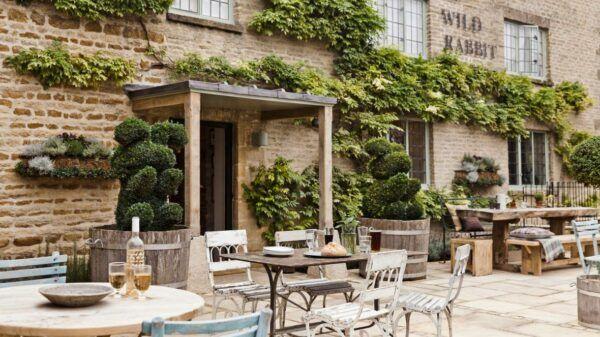 the wild rabbit pub kingham cotswolds bamford