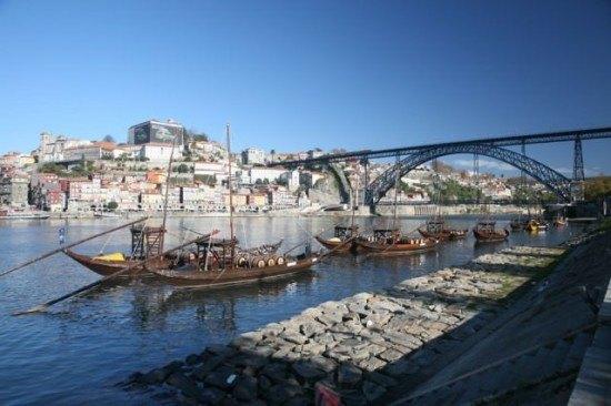 Porto and the Ribeira area seen from Vila Nova de Gaia